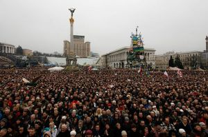 Ukrainians gather in Maidan Square to protest Russia's entry into the Crimean peninsula, 2 March 2014. Source: Wikimedia Commons