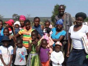 Community members in Lupane ADP, Zimbabwe. Image: Brenda Bartelink