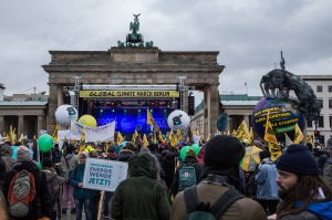 Activists gather at Brandenburg Gate in Berlin as part of the Global Climate March on 29 November 2015. Source: By mw238 (Global Climate March Berlin -162) [CC BY-SA 2.0 (http://creativecommons.org/licenses/by-sa/2.0)], via Wikimedia Commons